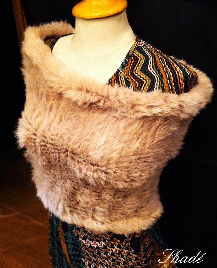 Chauffe épaules en lapin tricoté_Yves Salomon