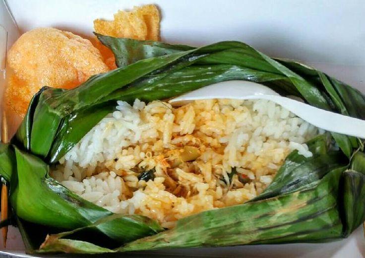 Nasi Bakar Ayam Suwir Kemangi