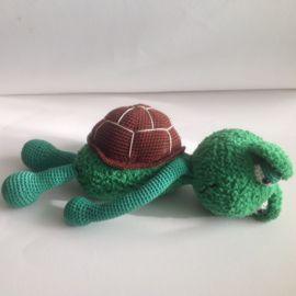 Schildpad Sep ! ;Is gehaakt met Sweetheart soft en CatonaDe schildpad ;is 35 ;cm hoogHet is een hele zachte knuffel.Wasbaar op 30 graden ;Gehaakt door ArinaPrijs 29,95 ;Verzendkosten zijn 4,95Belgie 9,00