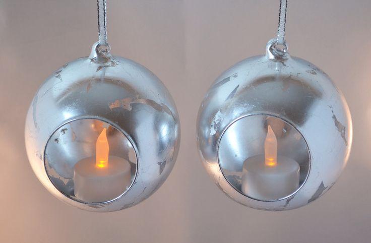 Baumschmuck: Kugeln - 2er-Set Christbaumkugeln versilbert - ein Designerstück von RPF_Design bei DaWanda http://de.dawanda.com/product/108007651-2er-set-christbaumkugeln-versilbert  #handmade #unikat #silber #deko #weihnachtsdeko #dekoobjekt #christbaum #christbaumschmuck #weihnachtsbaum #weihnachtsbaumschmuck #weihnachtsdekoration #baumschmuck #kugel #christbaumkugel #weihnachten #weihnachtsbaumkugel #dawanda