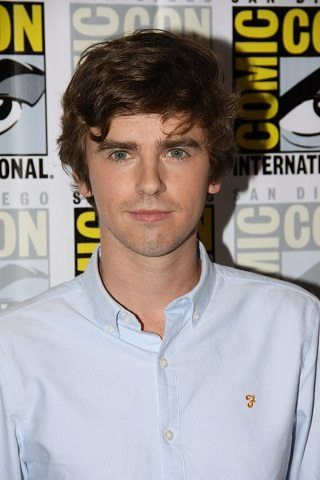 Interview with Bates Motel star Freddie Highmore on season 5.