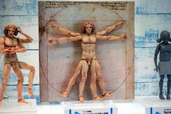 腕が4本・脚も4本、何かが間違っている気がする全身フル可動ダ・ヴィンチ「ウィトルウィウス的人体図」 - GIGAZINE