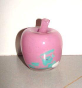 Hadeland-Art-Glass-Pink-Apple-Paperweight-Figurine