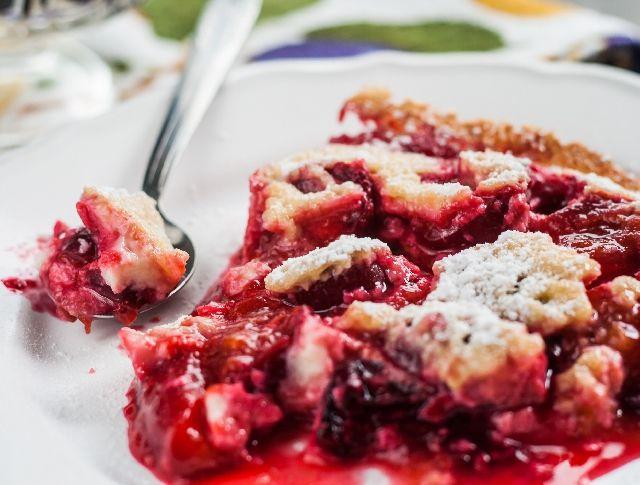 Egy finom Szilvás clafoutis egyszerűen ebédre vagy vacsorára? Szilvás clafoutis egyszerűen Receptek a Mindmegette.hu Recept gyűjteményében!