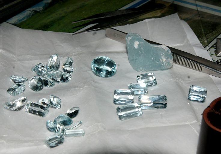 Драгоценные камни - аквамарины #aquamarine, loose #gemstone, #gems, #gemology