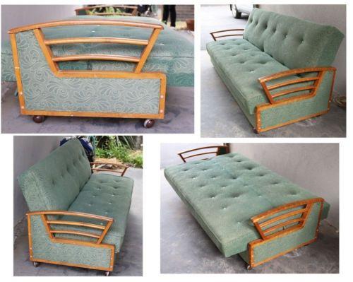 Best 25 divan sofa ideas on pinterest daybed living for Vintage divan sofa