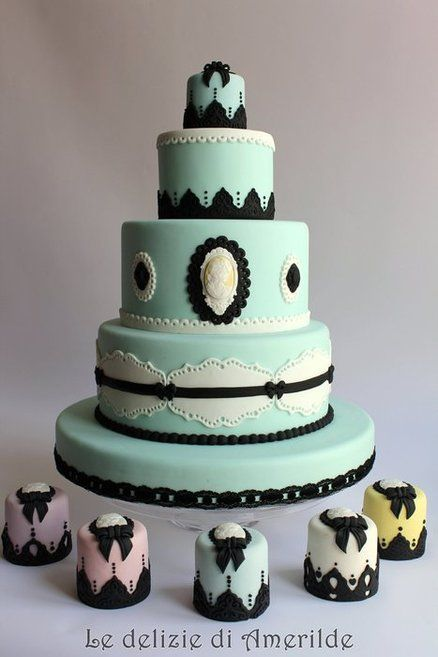 vintage wedding cakes - by Amerilde @ CakesDecor.com - cake decorating website