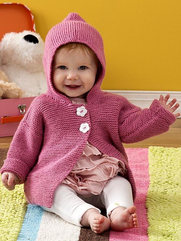 Sweterek dziecięcy wykonany na drutach https://www.kokardka.pl/product/5351/wloczka-baby-rozowy-2.html