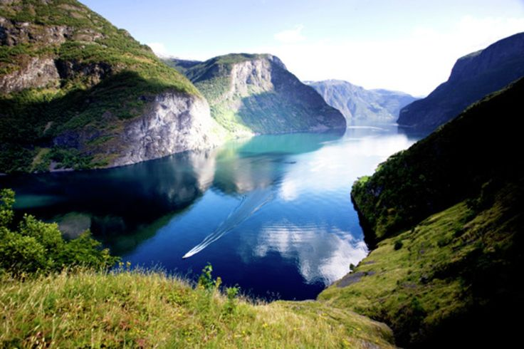 "The legendary tour ""Norway in a Nutshell"" will take you through the landscapes that inspired the hit film, Frozen. Here you have the chance to feel the spectacular nature up front, taste its fresh goods, breathe in healthy air and store up the hard drive with memories."