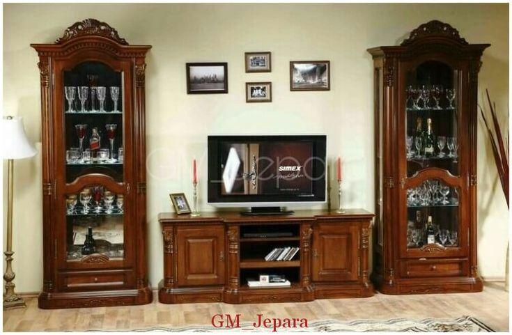 Bufet Tv Jati Hias Flame memiliki tampilan anggun yang merupakan produk mebel jepara yang kuat dan kokoh.