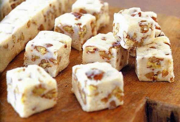 Varomeando: Dulce de azúcar con pistachos y arándanos