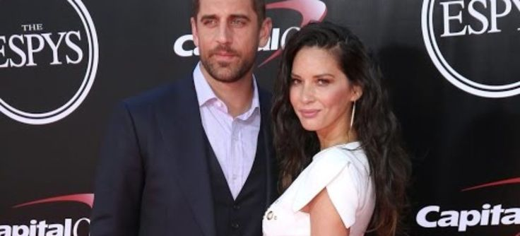 Olivia Munn throws some shade at her boyfriend Aaron Rodgers' family