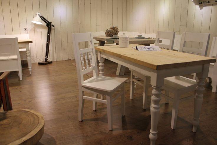 Brocante eettafel wit met oud hout 140 x 80 cm