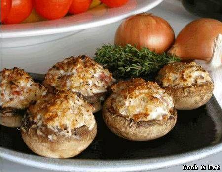 """Рецепт Шампиньоны фаршированные беконом и сыром - Закуски - Cook and Eat"""""""