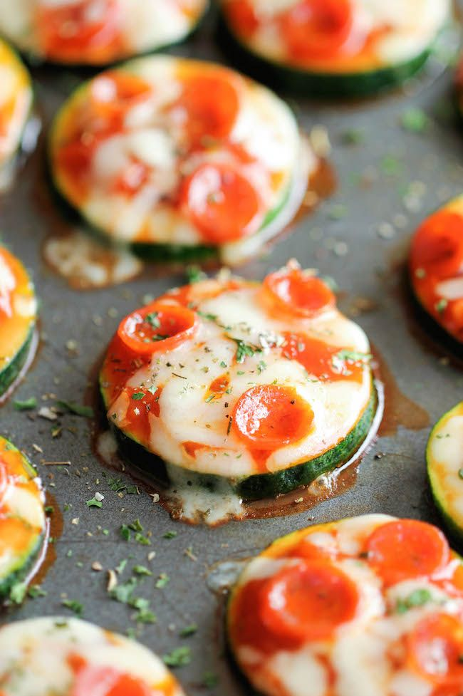 ZUCCHINI PIZZA BITES – dump the dough and go for zucchini as the base for these tasty bites – brilliant idea if you're in charge of the appetizers! #crazedcook #healthy #party
