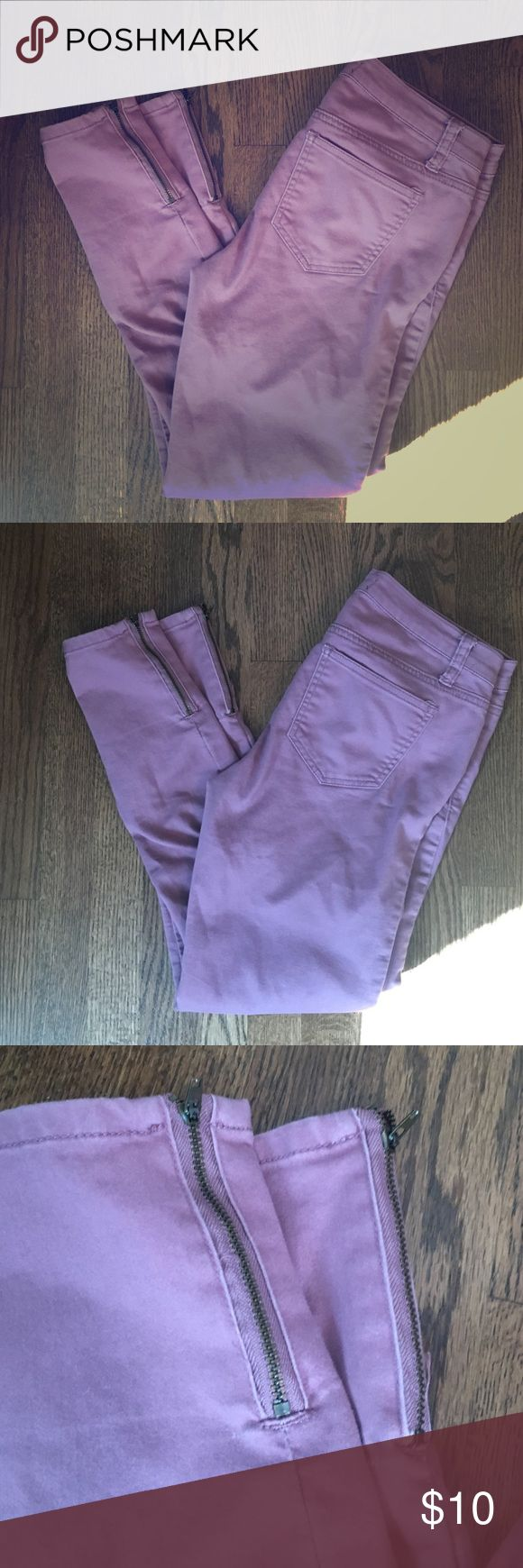 Forever 21- Lavender skinny with zipper pants Lavender skinny. Zippers at the end of each pant leg. Great condition! Forever 21 Jeans Skinny