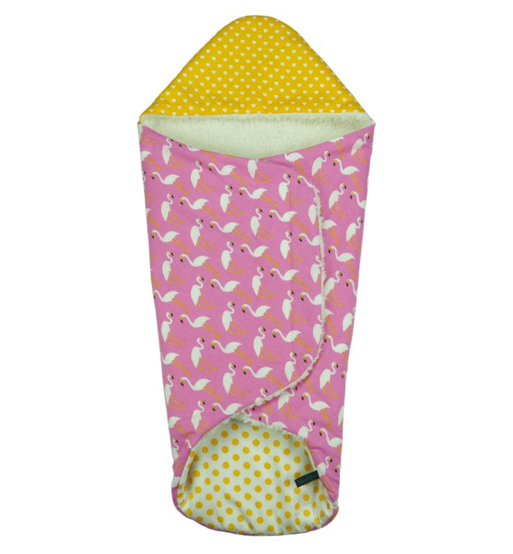 Lovely warm #swaddle from #Noddles, #flamingos Fijne warme #wikkeldoek van #Noddles, #pink #yellow#baby #wrapper #winter #musthave #babymusthave #newborn #handmade #unique #Amsterdam #kleuren #babygirls #babyjongens #meisjes #uniek #handgemaakt www.noddles.nl