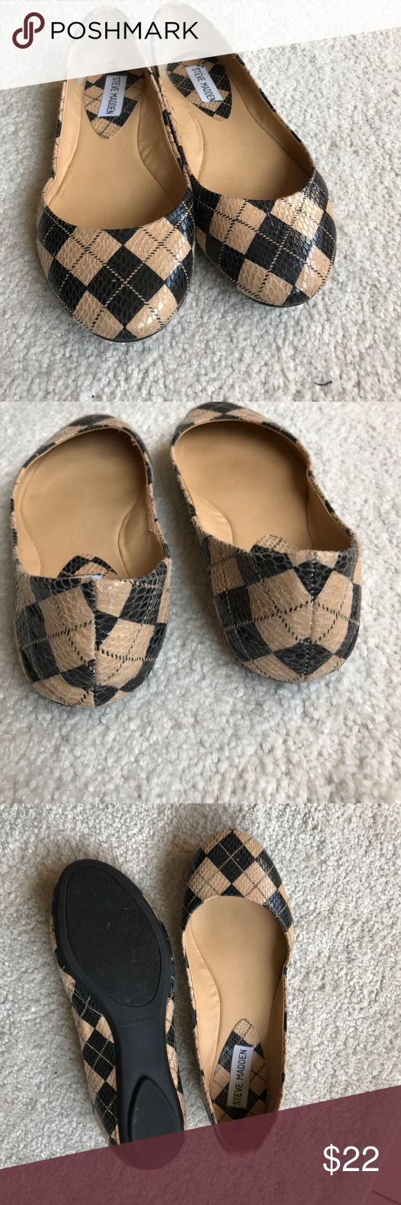 Steve Madden faux snake skin argyle flat Steve Madden faux snake skin in tan and black argyle. Size 7M maybe worn once. Low profile slip on flats. Steve Madden Shoes Flats & Loafers