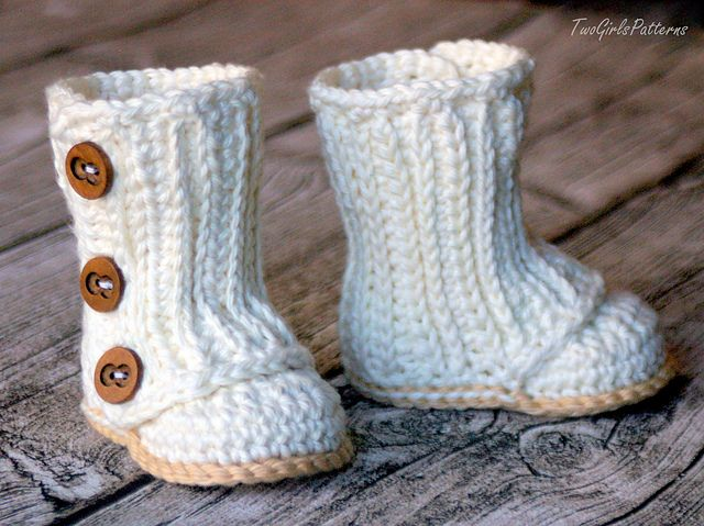 Ravelry: Baby Wrap Boots pattern by Lorin Jean