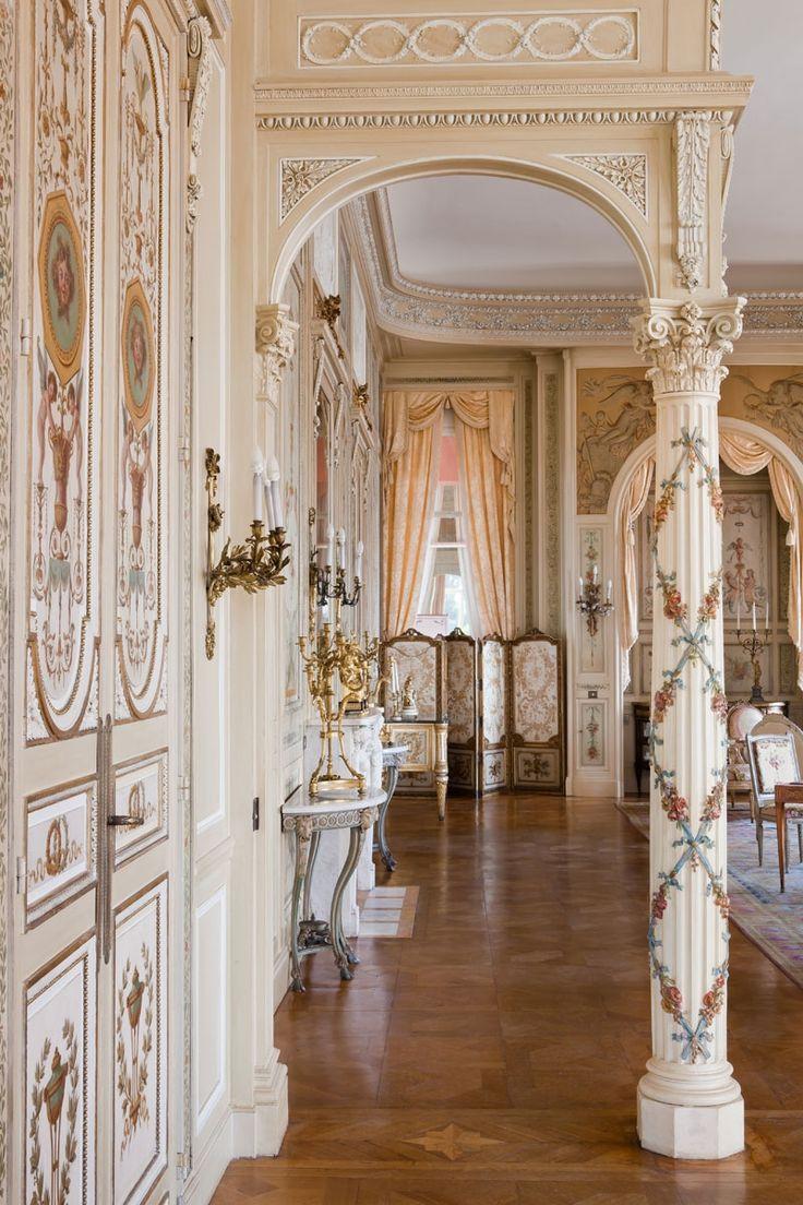 Grand salon - Interior views | Villa & Jardins Ephrussi de Rothschild : Palais de la côte d'Azur, Saint-Jean-Cap-Ferrat - Gérés par Culturespaces