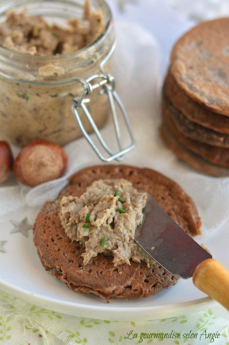recette de noël végétariennes - beurre de champignons vegan et blinis sarrasin noisette