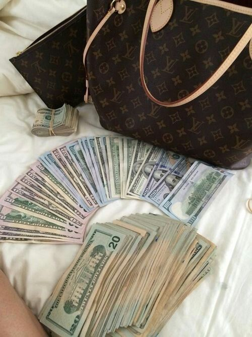 #LouisVuitton #paris #money #guap #cash #luxury #lavish