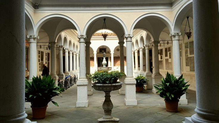 Basilica di Santa Maria delle Grazie  Piccolo chiostro