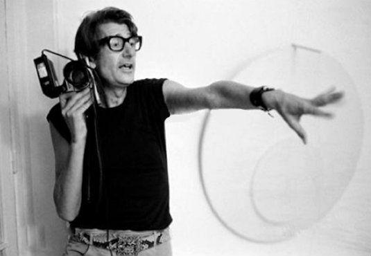 Χέλμουτ Νιούτον, ο άνθρωπος που άλλαξε τη φωτογραφία μόδας  #fashion #photographer #photos #magazine #model  http://fractalart.gr/helmut-newton/