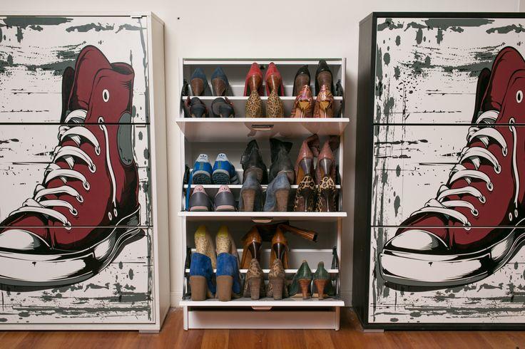 ¡Ordenados y en vitrina! #Zapatos #Zapateros #ShoesLovers