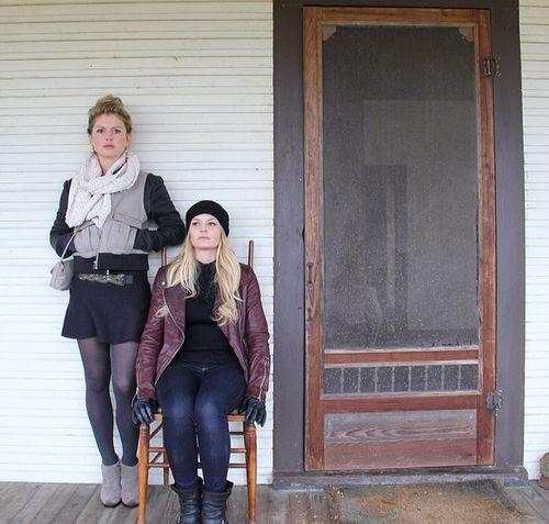from Ginny's twitter -- Rose McIver (Tinker Bell) and Jennifer Morrison (Emma)
