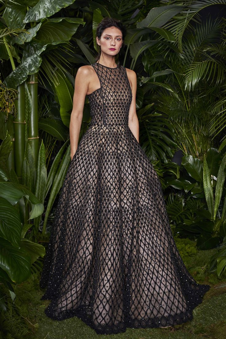 Naeem Khan Resort 2016 - Preorder now on Moda Operandi