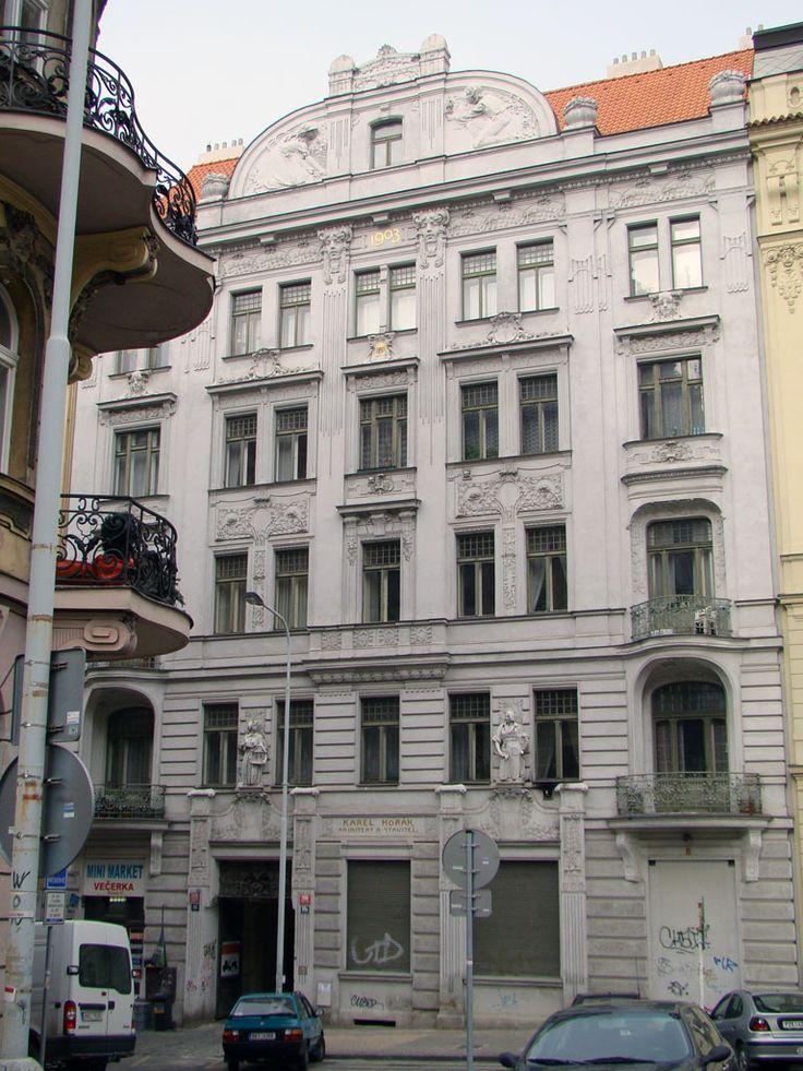 Praha, Římská 35 (1902, arch. Ján Petrák ml.), fot. PK