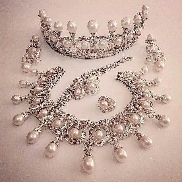 Diamond and pearl tiara, Beladora Jewelry