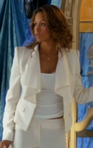 Love the cream suit with tank- looking like Stacey dash too wouldn't hurt either. Lol