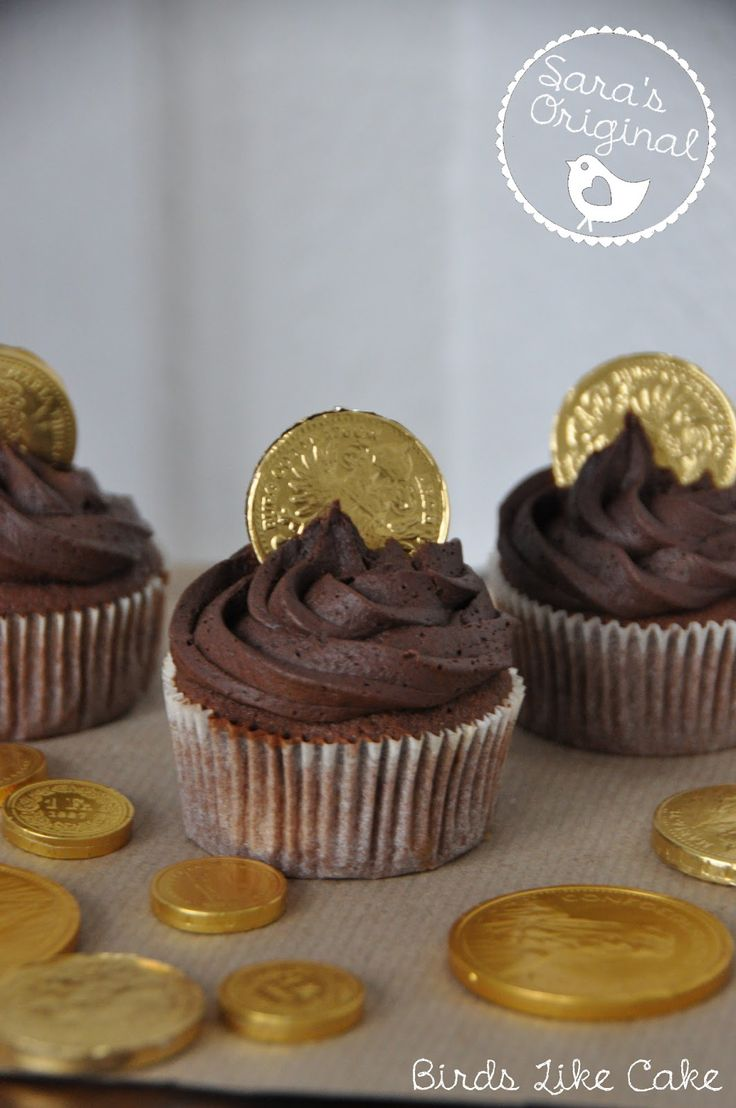 Piraten Cupcakes mit Goldmünze