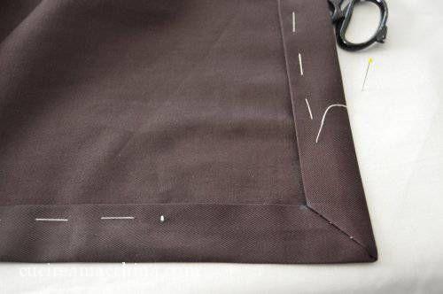 Tutorial gratuito per realizzare facilmente l'angolo a cappuccio, utilizzato per la confezione degli orli delle tovaglie.