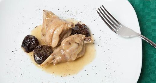 Olio Fragrante per la nostra ricetta: Melanzane grigliate con aromi #olio #bertolli # fragrante #ricette #coniglio #prugne #cipolla #vino #bianco