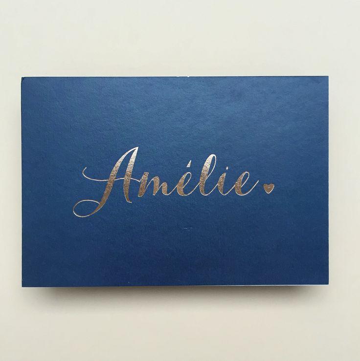 Geboortekaartje voor Amélie met naam in rosé folie www.howsweetitis.be