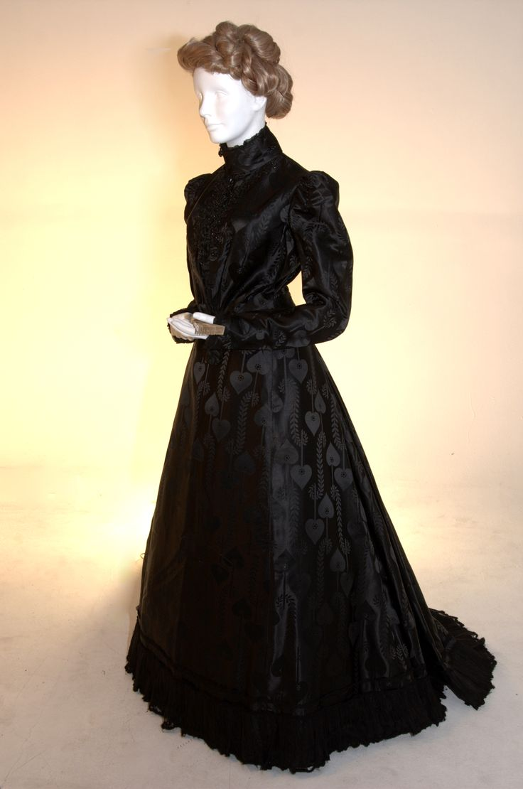 Mourning dress c.1900