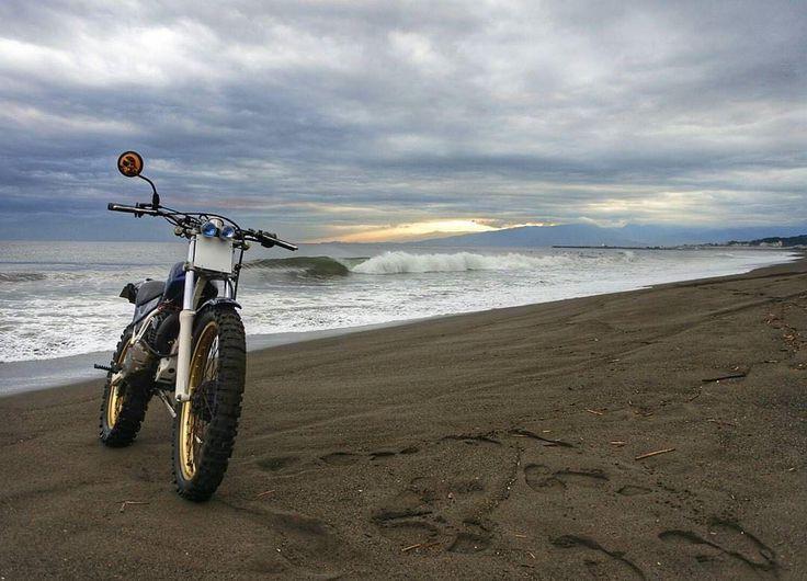 Via  @takahashijidoushakoubou Dusk of Sandy beach  Tag your pics and videos with @wheelsguru  to be featured.   Follow #wheelsguru @shahnawazkarim  Check our page: http://ift.tt/2c7NjU3 click the link in the bio  wheelsguru.com  #advrider #bmwmotorrad #adventure #dualsport #motorcycle #adv #enduro #makelifearide #ktm #advaddicts #moto #bmw #offroad #advlife #travel #dualsportlife #r1200gs #touratech #rideandshare #motorrad #wanderlust #bmwgs #sizematters #nodirtnoglory #motolife #honda