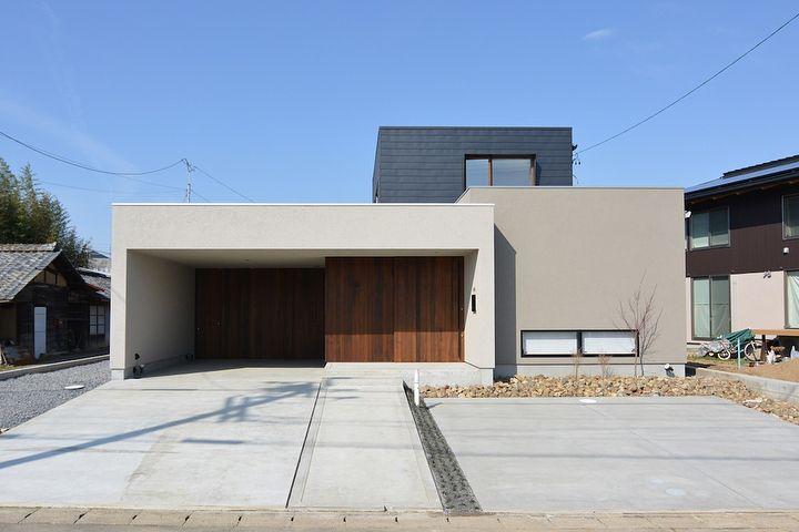 ナイスショットの家 色合い 形 共に落ち着いた雰囲気の外観 玄関