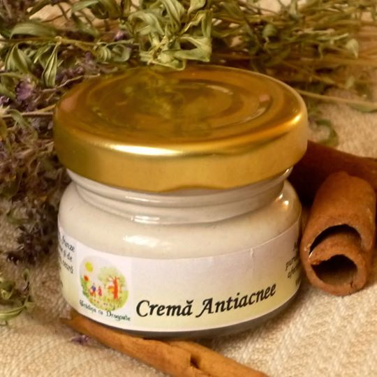CremaNaturala Antiacnee preparata cu substante extrase din naturace ofera tratament delicat. Include ingrediente din plante medicinale.