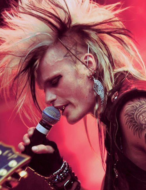 Simon Cruz from Crashdiet <3