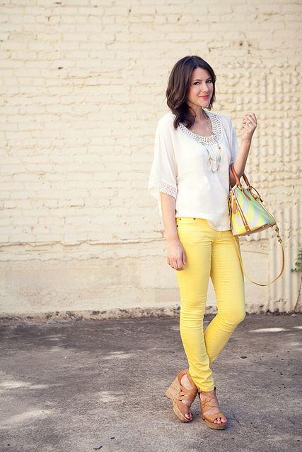 kendi everyday: Fashionista, Yellow Pants, Bag, Street Style, Outfit, Jeans, Color Pants, White Top, Photo