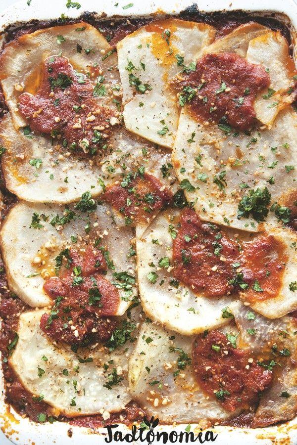 Wiadomo jakie warzywa najbardziej uwielbiają Włosi i Włoszki – dojrzałe pomidory, gąbczaste bakłażany oraz mięsiste papryki i cukinie. Jednak w każdej encyklopedii kuchni włoskiej można znaleźć też mały, ukryty paragraf poświęcony [...]