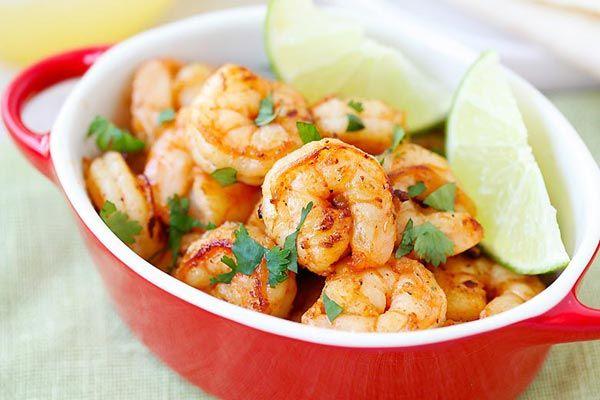 Tequila Lime camarones - camarones con tequila, lima, cilantro!  Loco receta fácil y agradable y económico, así que bueno, tarda 15 minutos para hacer!  | Rasamalaysia.com
