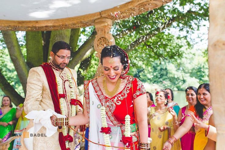 Happiness! Love this image during Meera and Hemal's Hindu wedding ceremony. To see more from their day click the link in my profile  . . . #brideandgroom #saatphere#asianbride#indianwedding #gujaratiwedding