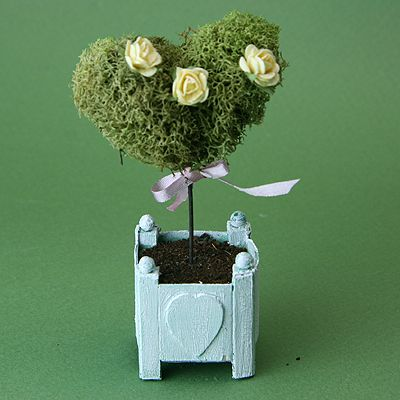 Make Miniature Heart Shaped Moss or Ivy Topiaries for a Dolls House or Favor