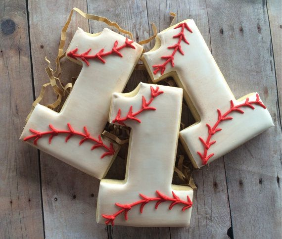 Vintage Baseball Sugar Cookies 1 dozen by LaPetiteCookie on Etsy