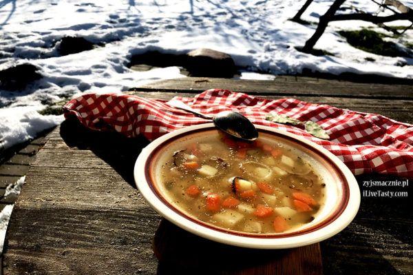 Zupa grochowa z połówek. Przepis